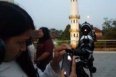 Mahasiswa Asing Lintas Negara Amati Gerhana Bulan dan Mars di Malang