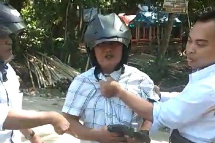 Mataram, Kompas.Com Tersangka OTT Oknum OnS atau ASN Kemenag Lombok Barat. OTT terkait  dana Bantuan Masjid terdampak Gempa