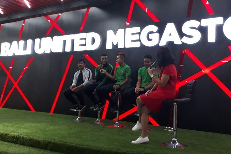 Indra Sjafri dalam acara talkshow dengan tema The Secret Formula To Becoming Profesional Athletes yang digelar di Bali United Store, Sabtu (16/3/2019). Talkshow ini bagian dari acara Bali United Festival.