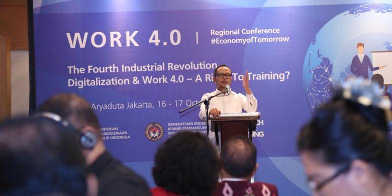 Menteri Ketenagakerjaan M Hanif Dhakiri dalam acara conference regional bertema ?Workshop 4.0 The Fourth Industrial Revolution, Digitalization & Work 4.0 ? A Right To Training?? di Jakarta, Selasa (16/10/2018).