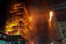 Terbakar, Gedung 26 Lantai di Brasil Runtuh