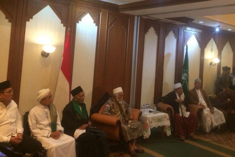 Sejumlah kiai dari berbagai wilayah di Indonesia berkumpul untuk menyikapi situasi terakhir jelang Pemilu Presiden 2019 di kantor PBNU, Sabtu (4/8/2019). Pertemuan menghasilkan kesepakatan agar Cak Imin menjadi cawapres bagi Jokowi.
