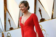 Allison Janney Rebut Piala Oscar untuk Aktris Pemeran Pembantu Terbaik