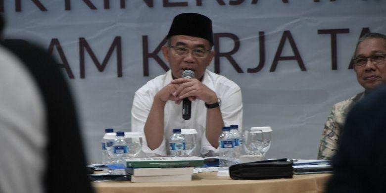 Mendikbud usai jumpa pers Akhir Tahun 2018 di Kantor Kemendikbud, Jakarta, Kamis (27/12/2018) menjelaskan tentang rencana pendidikan mitigasi bencana bagi siswa.