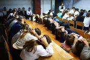 Di Ukraina, Siswa Sekolah Diajari Cara Menghadapi Ranjau Darat