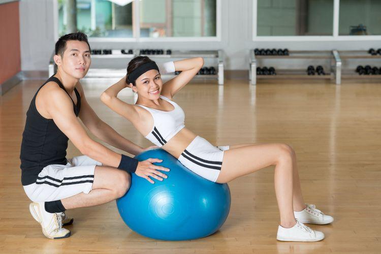 Ilustrasi olahraga bersama pasangan