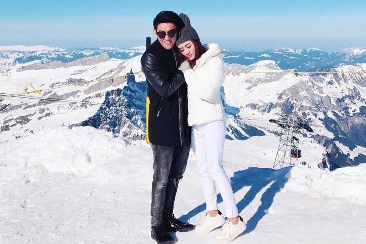 Ifan Seventeen dan istrinya Dylan Sahara.