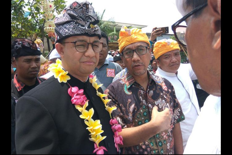 Anies berdialog dengan warga Jakarta beragama Hindu.