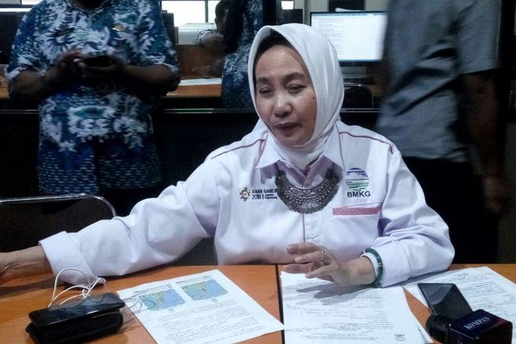 Kepala Badan Meteorologi, Klimatologi, dan Geofisika (BMKG) Dwikorita Karnawatisaat jumpa pers di kantor BMKG Yogyakarta, Jumat (28/09/2018) malam.