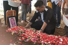 Pemakaman Rudy Wowor dan Isak Tangis Putranya