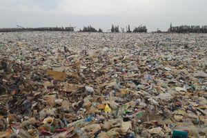 Melihat Lautan Sampah di Muara Angke