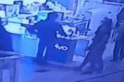 Komplotan Pencuri Ponsel Terekam CCTV Saat Beraksi di Cijantung
