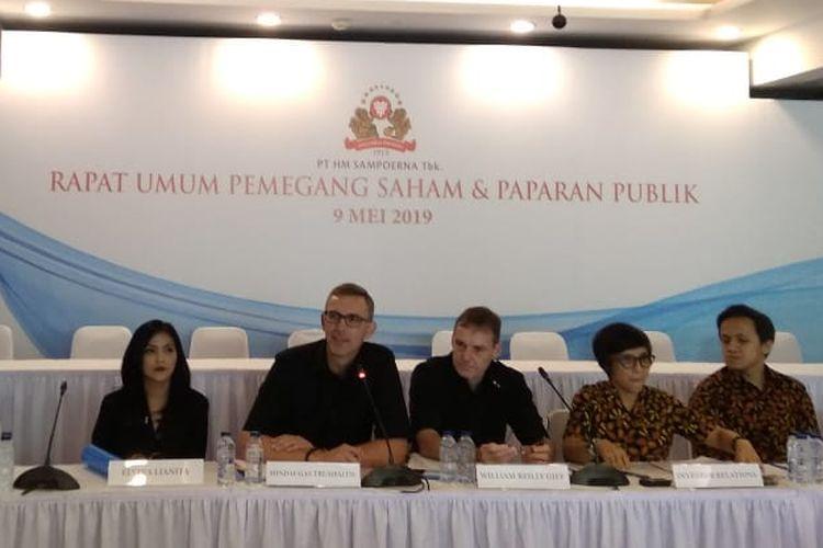 Direktur Utama Sampoerna Mindaugas Trumpaitis dan Jajarannya dalam Rapat Umum Pemegang Saham Sampoerna di Jakarta, Kamis (9/5/2019).