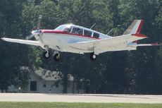 Pesawat Ringan Jatuh di Lapangan Golf, 6 Tewas
