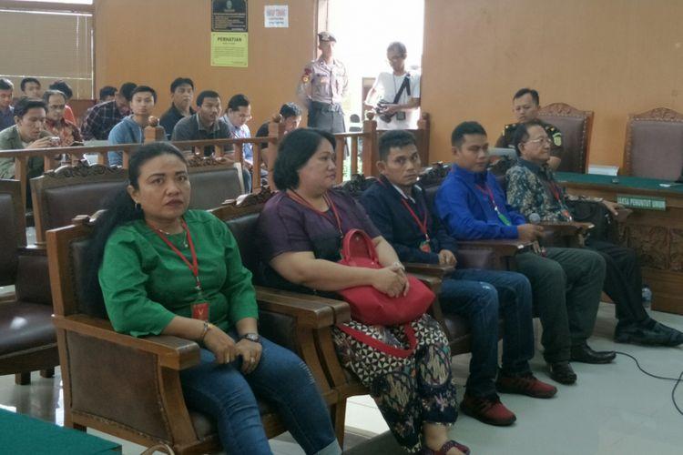 Keluarga korban bom di Gereja Oikumene bersaksi di persidangan