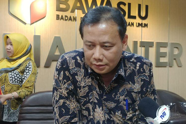 Ketua Bawaslu Abhan di Kantor DPP Bawaslu, Jakarta, Kamis (17/5/2018).