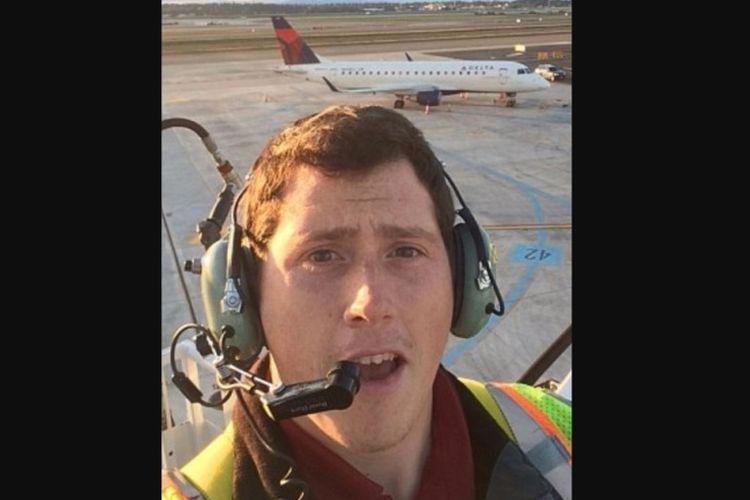 Richard Russell, petugas darat Horizon Air yang menerbangkan sebuah pesawat penumpang Q400 tanpa izin dan jatuh di sebuah pulau di luar Seattle, Jumat (10/8/2018).