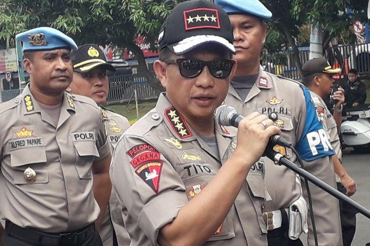 Kapolri Jenderal Pol Tito Karnavian mengimbau warga untuk tidak melakukan konvoi pada malam takbiran.