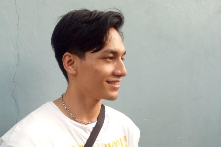 Aktor muda Jefri Nichol saat ditemui di kawasan Mampang, Jakarta Selatan, Jumat (19/10/2018).