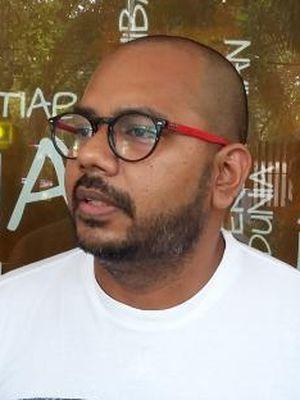 Koordinator Komisi untuk Orang Hilang dan Korban Tindak Kekerasan (Kontras) Haris Azhar, saat ditemui di Sekretariat Kontras, Jakarta Pusat, Minggu (6/9/2015).