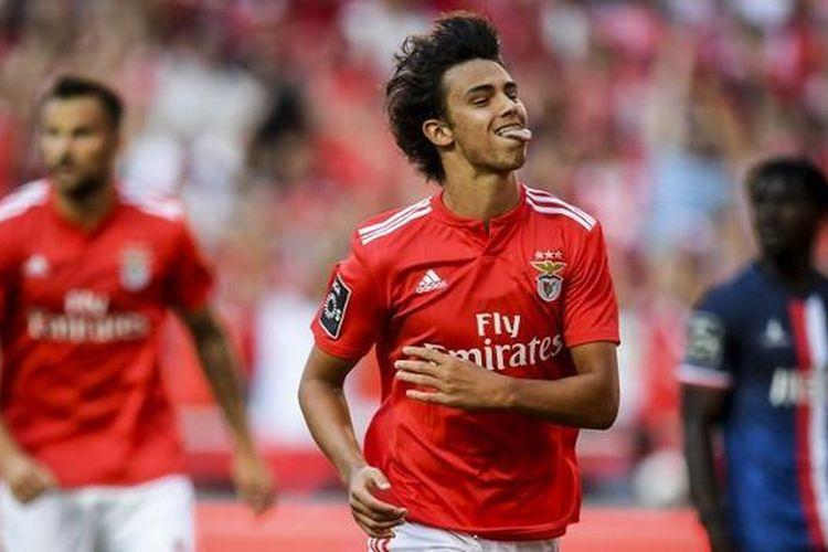 Joao Felix lebih tajam dibandingkan Cristiano Ronaldo di usia 19 tahun, Selasa (23/4/2019)