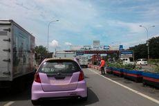 E-Toll Diberlakukan, Antrean Kendaraan di Pintu Tol Makassar Capai 1 Km