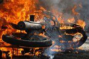 5 Fakta Kebakaran Mobil di Bandara Juanda, Diduga Korsleting Charger HP hingga Pengakuan Pemilik