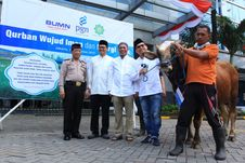 PGN Serahkan 605 Hewan Kurban untuk Warga Tak Mampu