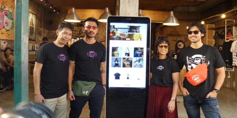 Peluncuran Web Filosofi Kopi Apparel di kedai Filosofi Kopi, Melawai, Jakarta, Jumat (2/11/2018).