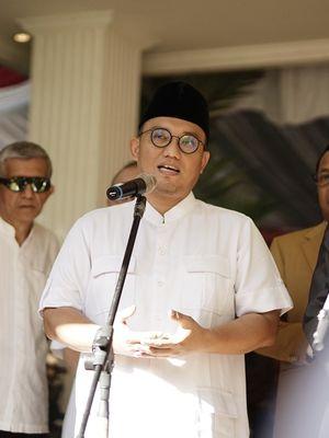 Koordinator Juru Bicara BPN Dahnil Anzar Simanjuntak saat memberikan keterangan di kediaman Prabowo, Jalan Kertanegara, Jakarta Selatan, Jumat (24/5/2019).