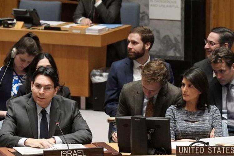 Duta Besar Israel untuk PBB Danny Danon (kiri) ketika menghadiri pertemuan Dewan Keamanan PBB di New York, Kamis (25/1/2018).