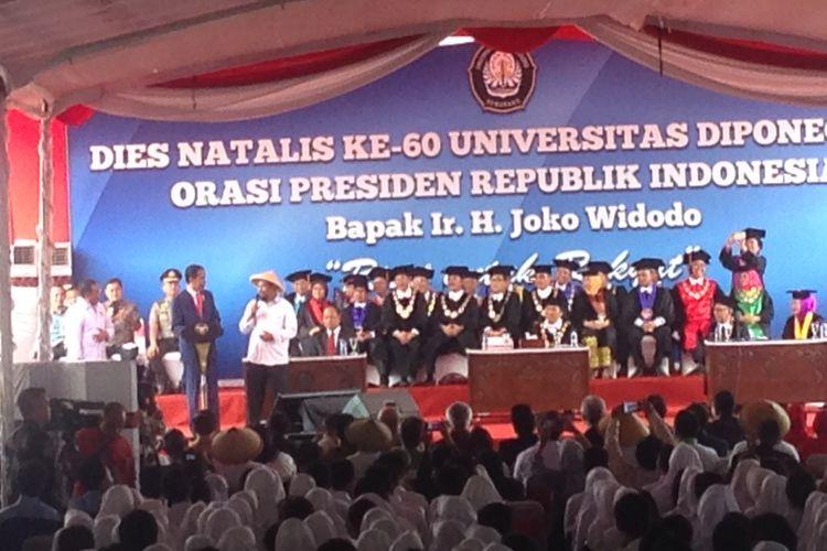 Presiden Jokowi saat memberikan orasi ilmiah di kampus Undip Tembalang, Selasa (17/10/2017)
