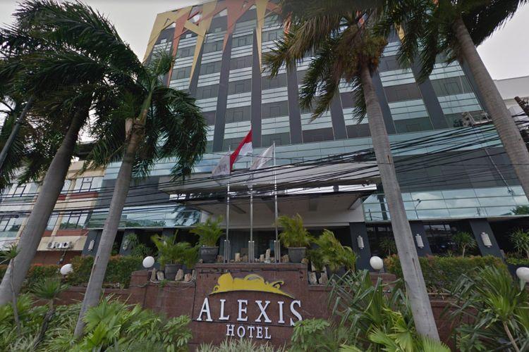 Foto Hotel Alexis tampak depan yang ditampilkan oleh Google Street Maps.