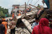 Rumah Ambruk di Johar Baru, Diduga 5 Orang Terjebak Reruntuhan