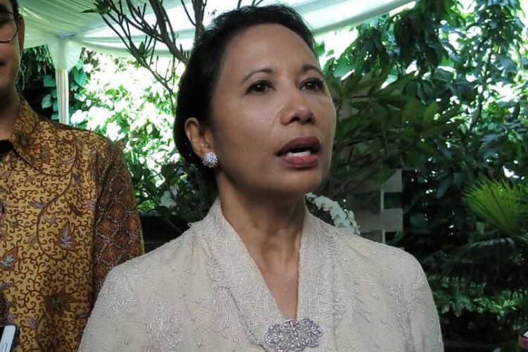 Menteri BUMN Rini Soemarno saat acara open house di Kawasan Patra Kuningan, Jakarta Selatan, Minggu (25/6/2017).