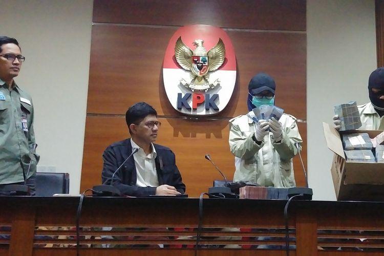 Jumpa pers KPK terkait OTT terhadap Bupati dan Anggota DPRD Lampung Tengah di Jakarta, Kamis (15/2/2018).
