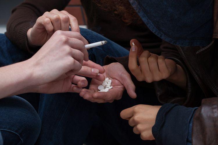 Ilustrasi penggunaan obat terlarang