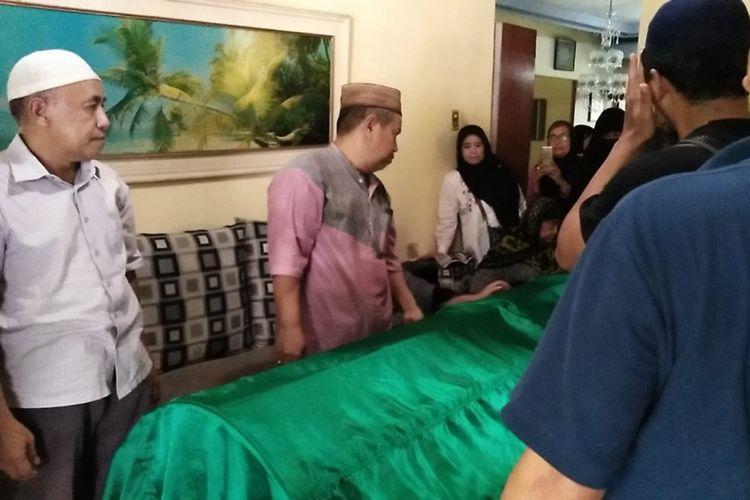 Jenazah Syachrul Anto, penyelam yang gugur saat mencari korban dan puing pesawat Lion Air PK-LQP nomor penerbangan JT 610 akan dimakamkan di TPU Bendul Merisi, Kecamatan Wonocolo, Surabaya, Sabtu (3/11/2018).