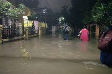 Kali Cipinang Meluap, Banjir Rendam Permukiman Warga di Ciracas