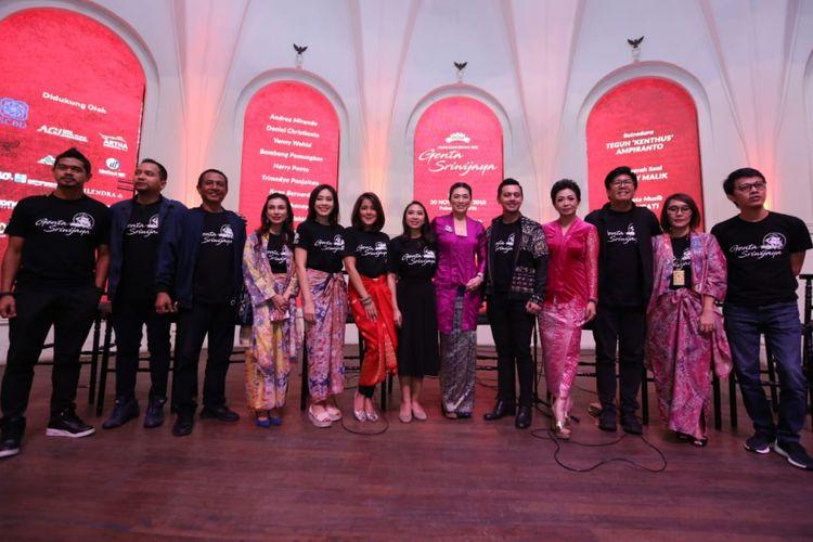 Suasana jumpa pers pagelaran seni Genta Sriwijaya yang dihadiri oleh para pemain dan sutradara di The Palas, SCBD, Jakarta Selatan, Kamis (8/11/2018).