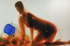 Ingin Jaga Barang Bawaannya, Perempuan Ini Nekat Ikut Masuk Mesin X-Ray