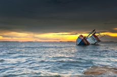 Kapal dari Malaysia Tujuan Batam Karam di Batu Putih, 105 Penumpang Mengapung