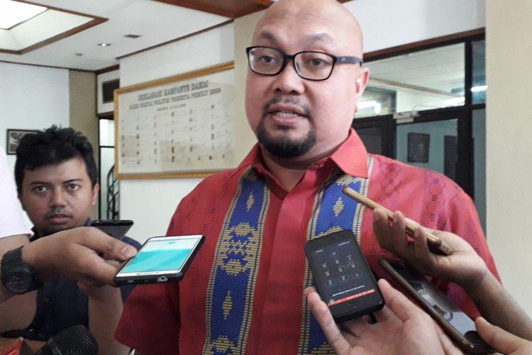 Komisioner KPU Ilham Saputra