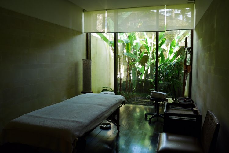 Ruang treatment massage di Ojas, Como Shambhala Estate, Bali, Jumat (15/12/2017).