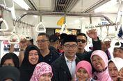 Naik KRL ke Bekasi, Ridwan Kamil Jadi Buruan 'Selfie' Penumpang