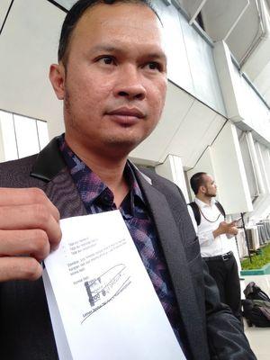 Kuasa Hukum Ahmad Dhani, Hendarsam Marantoko Ajukan Surat Penangguhan Penahanan dengan Penjamin Prabowo Subianto di Pengadilan Negeri Jakarta Selatan, Senin (15/4/2019)