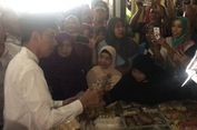 Blusukan di Pasar Sidoharjo, Jokowi 'Diserbu' Ibu-ibu