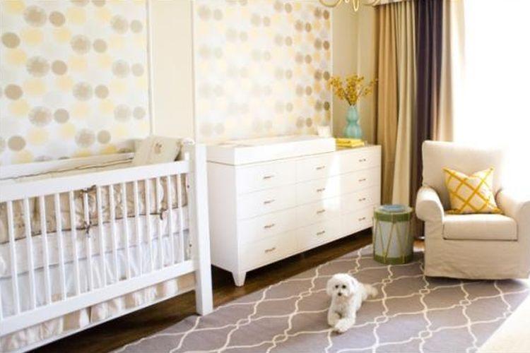 Warna pastel merupakan warna yang baik untuk diterapkan pada kamar bayi. Kombinasi warna-warna pastel pada kamar hingga selimut dianggap dapat membantu bayi tidur lebih nyenyak.