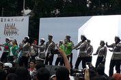 Di CFD, Polisi Kampanye Aman Berkendara Diiringi Lagu 'Taki-Taki'