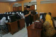 Antisipasi Gangguan Server, Wakil Bupati Karawang Tinjau UNBK di SMK
